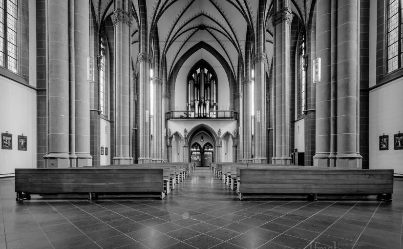 """""""Die Kunst der Fotografie"""" und HDRs von der Agnes Kirche"""
