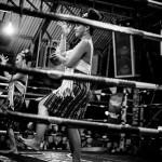 Shemale Tänzen vor dem Muay Thai Kampf