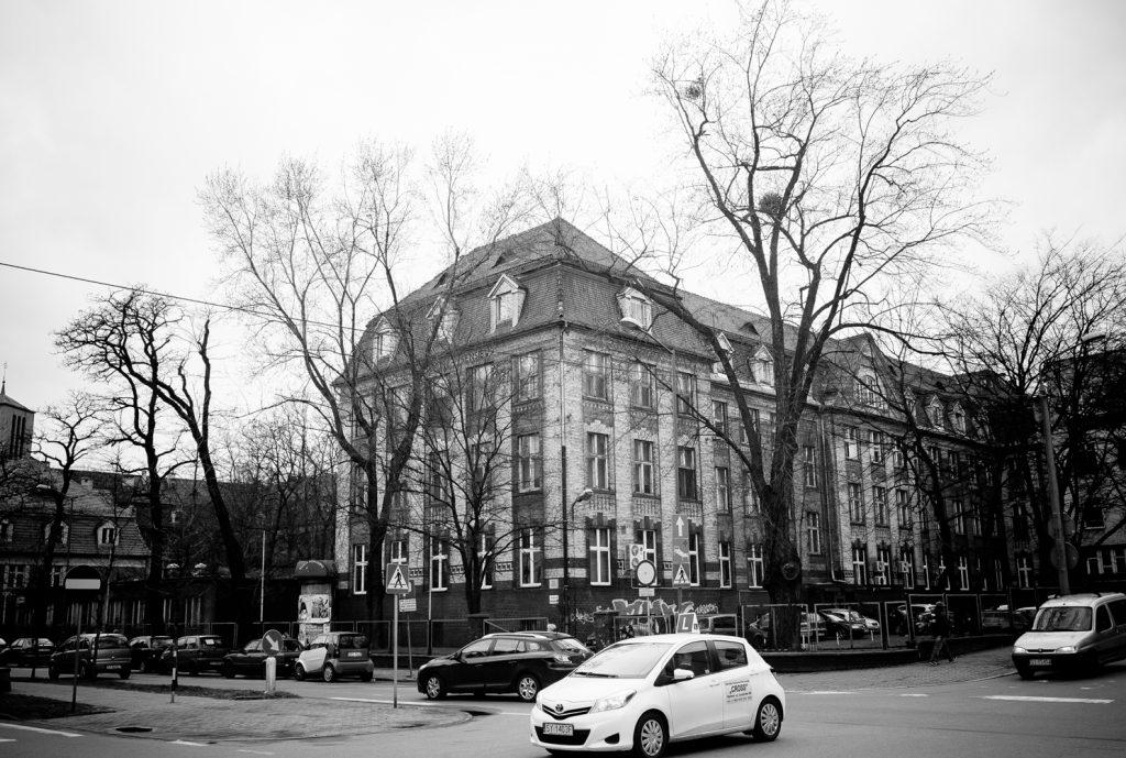 Altes Bergmannskrankenhaus von aussen.